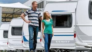 Caravans bei einem Caravan-Händler