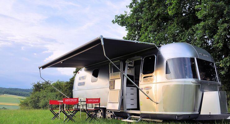 Der Airstream-Importeur Roka-Werk stellt auf dem Caravan Salon unter anderem seine aktuellen Modelle 534 und 684-2 aus.
