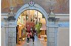 In Noli erfreuen sich Flaneure am opulenten mittelalterlichen Stadtensemble.