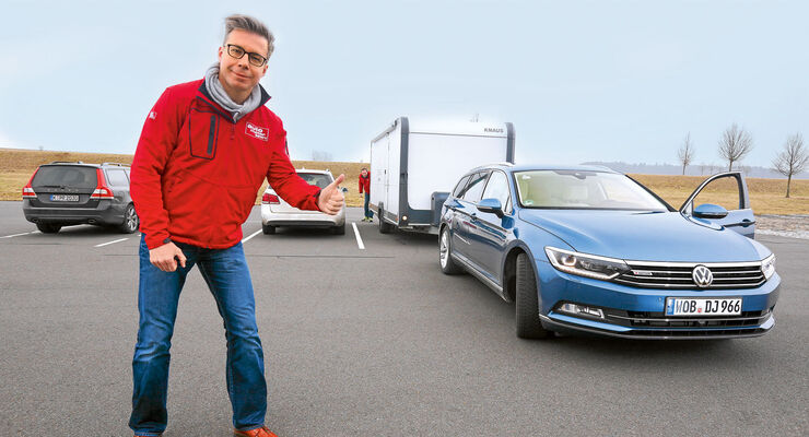 VW Passat mit Anhänger