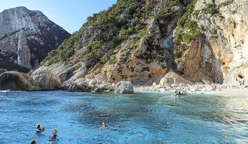 Badebucht in Sardinien