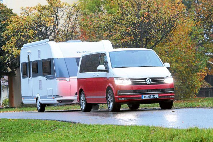 Der VW Multivan Generation Six hat eine Anhängelast von 2500 KG.