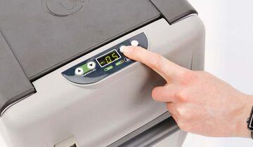 Auto Kühlschränke Test : Fiat kühlschrank im kleinwagen design von smeg autozeitung
