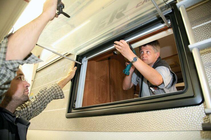 caravan fenster reparieren und aufwerten so geht s. Black Bedroom Furniture Sets. Home Design Ideas